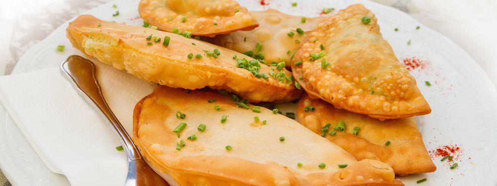 Zillertaler Spezialität: Teigtaschen gefüllt mit Bröseltopfen, Graukas und Kartoffel