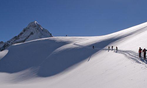 Das Zillertal: Ein Eldorado für Skitourengeher und Pistenfreunde. Bild: Horst Ender