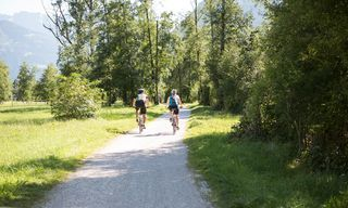 [Translate to en:] Urlaubsangebot mit E-Bike im Zillertal